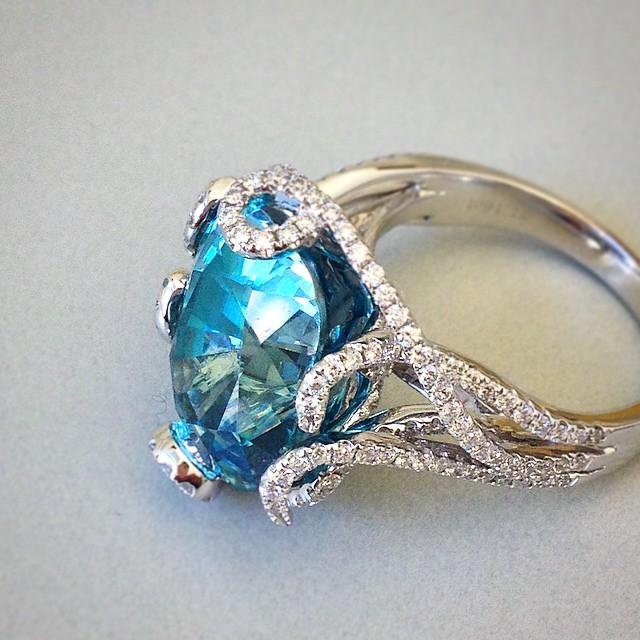 انگشتر جواهر توپاز کد G246